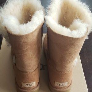 Ugg short button boots